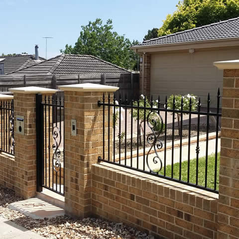 Brick & Steel Fencing